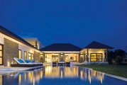 Luxury 4 bedroom villa residence living near Canggu Club