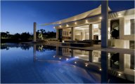 Exclusive freehold beachfront 6 suite villa estate: