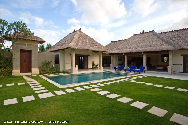 Amazing villa for purchase 4 bedroom 2 pools