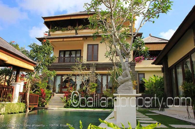 Bali 4 bedroom quality villa for sale 3 floors pool amazing views