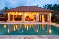 Luxury 4 bedroom villa for sale Seminyak pool bar Jacuzzi: