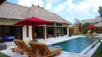 Tropical 4 bedroom villa for sale Seminyak pool bar