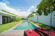 Expansive luxury 5 bedroom rental villa for sale: