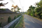 Land with building on 1000m2 beach close: