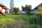 Land with building on 1000m2 beach close