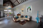 Tropical 3 bedroom furnished home with long leasehold: