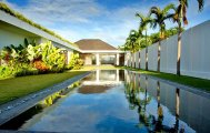 Expansive luxury 5 bedroom rental villa for sale